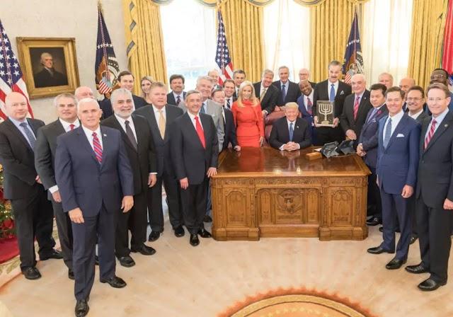 Museu Friends of Zion premia presidente Trump em cerimônia na Casa Branca