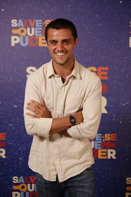 Felipe Simas é Téo em 'Salve-se Quem Puder' — Foto: Artur Meninea/Gshow