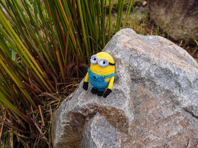 crocheted despicable me minion amigurumi