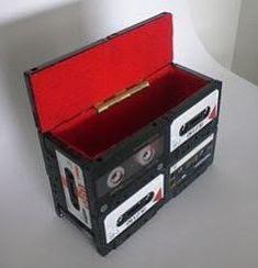 bikin koper dari kaset bekas