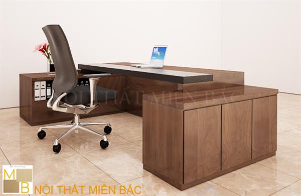 Một chiếc bàn giám đốc chỉ thực sự trở nên cao cấp khi nó sở hữu kích thước hợp lý so với diện tích thực tế của văn phòng lãnh đạo
