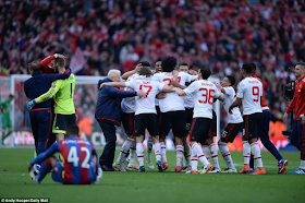 Man United Defeat Palace To Give Van Gaal First Trophy