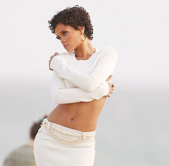 Rihanna's Best Street Style Looks | GADSTIME