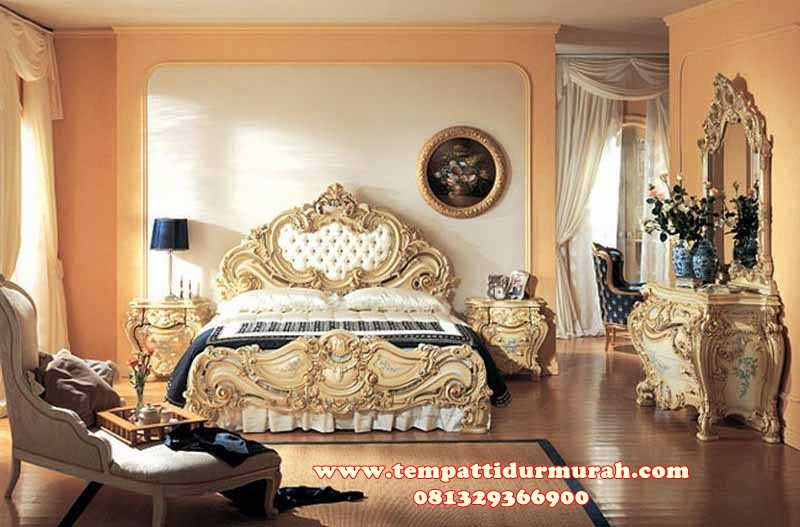 Set Tempat Tidur Ukir Rococo Jepara