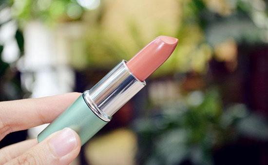 Lipstik Wardah Warna Natural untuk Bibir Wanita