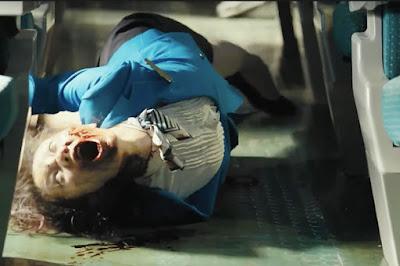 Seorang petugas kereta yang berubah menjadi zombie setelah digigit