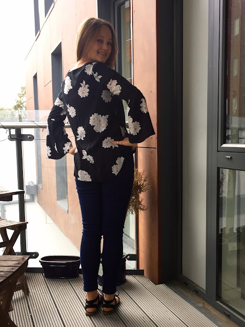 Diary of a Chain Stitcher: Megan Nielsen Dove Blouse in Floral Viscose from Til the Sun Goes Down