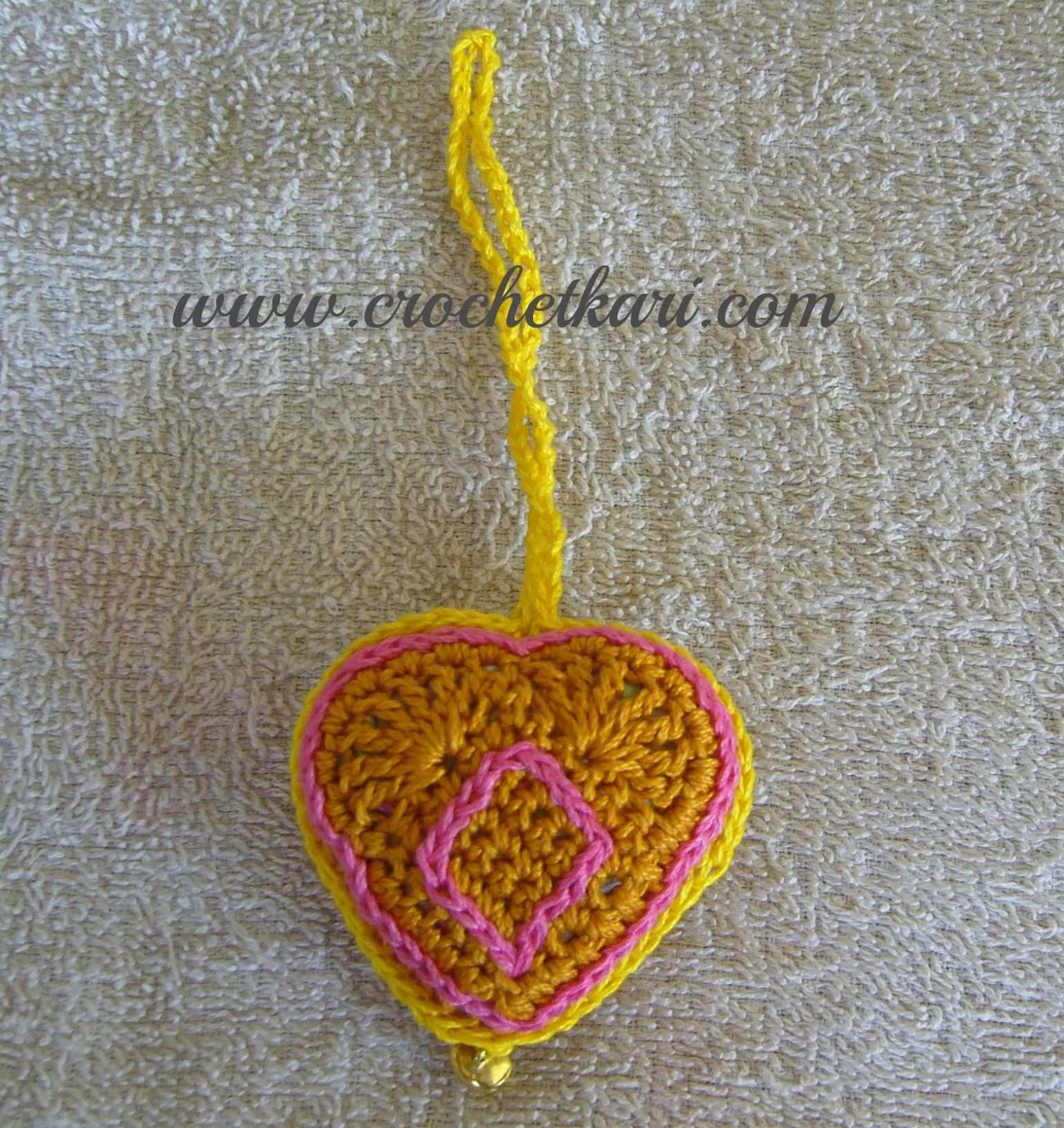 crochet hearts detail