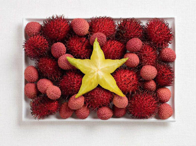 Vietnamese flag made from food, Rambutan, lichee and star fruit