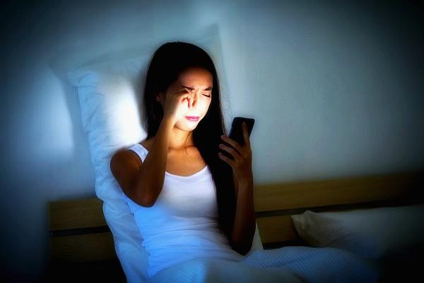 Οι υπολογιστές και τα κινητά τηλέφωνα καταστρέφουν τα μάτια μας..Η μυωπία εμφανίζει συνεχή αύξηση σε παιδιά και εφήβους