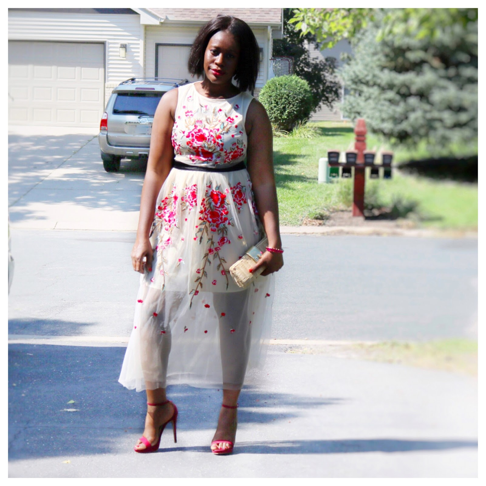 Beauty's Fashion Zone: Floral Tulle Lace Dress + Straw Clutch