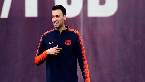 Chơi ở vị trí thấp nhất của hàng tiền vệ nhưng Sergio Busquets lại đóng vai trò rất quan trọng trong câu lạc bộ.