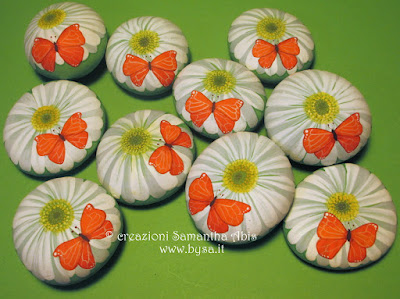 Bomboniere originali comunione  dipinte a mano gerbere e farfalle