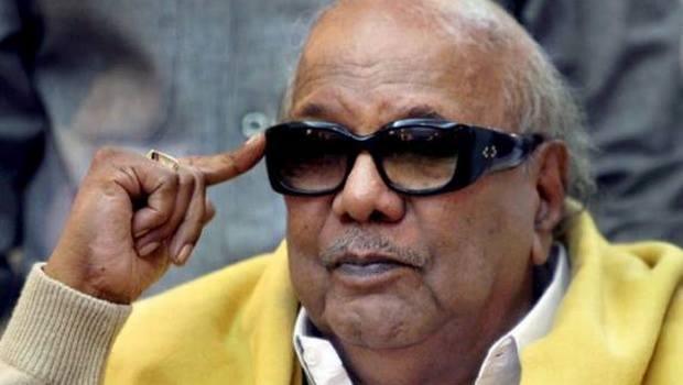 பத்திரிகையாளர்கள், முதலமைச்சர் ஜெயலலிதாவை அணுகி எந்தக் கேள்வியையும் கேட்பதில்லையே?