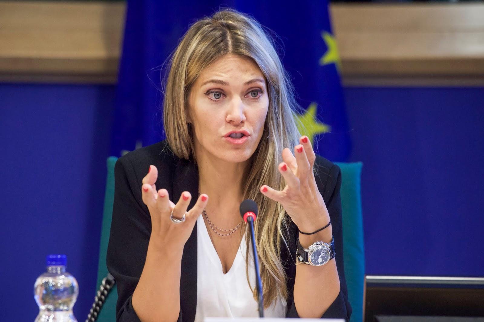 """Εύα Καϊλή: """"Πρώτο βήμα είναι η στρατηγική συντριβή του ΣΥΡΙΖΑ ..."""