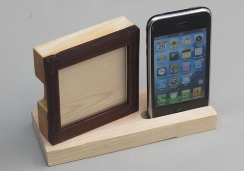 www.Tinuku.com Wooden Smartphone stand collection for desk design by Studio Doclassworks