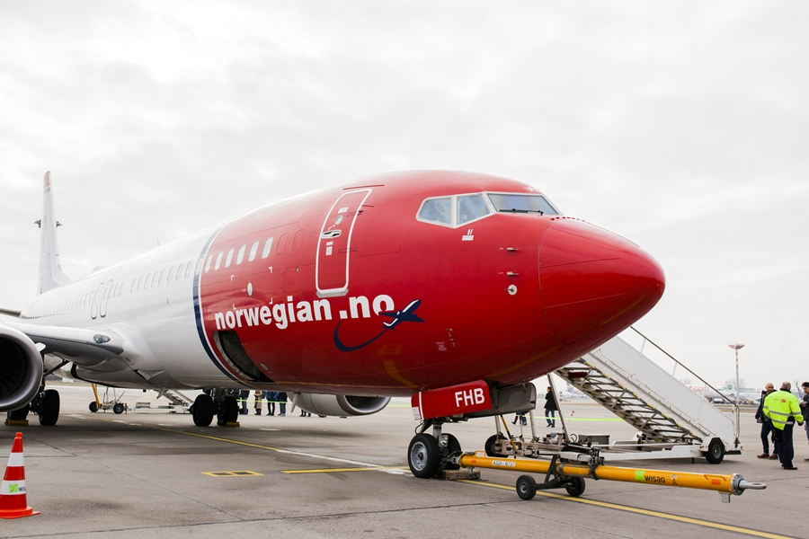 norwegian airplane berlin sfx