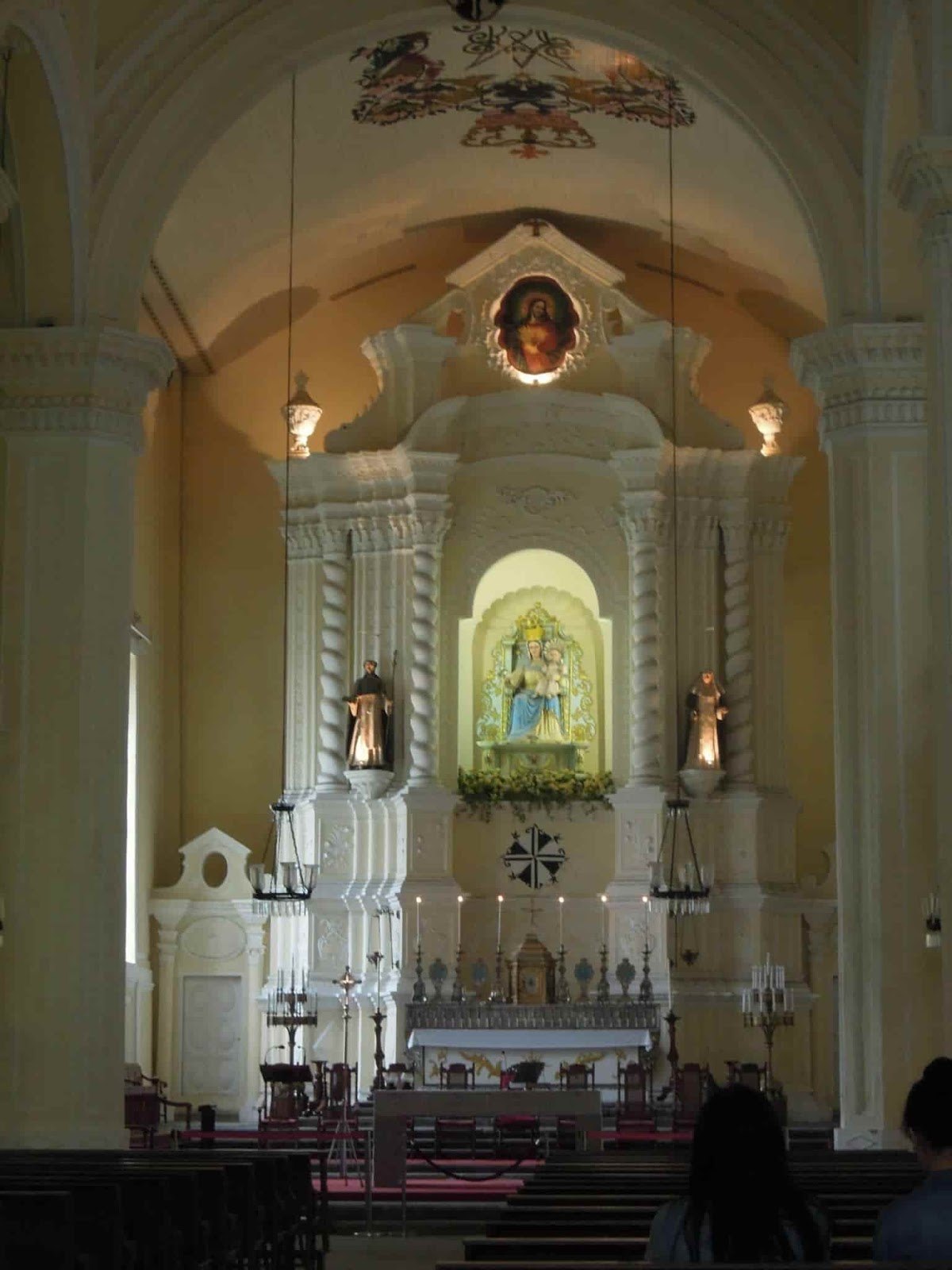 A picture of the interiors of the Sto. Domingo Church in Macau