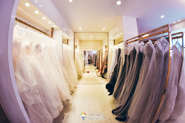 Many wedding gowns to choose in LaFame Bridal Mansion @ SS2