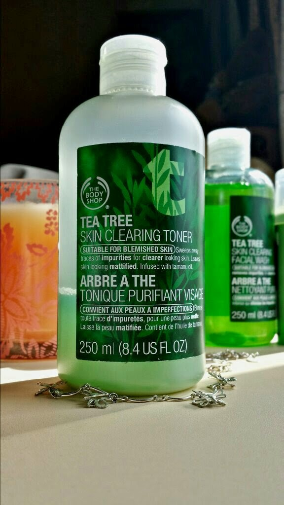 The Body Shop - Tea Tree Skin Clearing Toner
