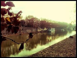 Rio Tibre de Roma. VIsite Roma com guia em português