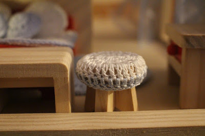 poduszka na taboret na szydełku