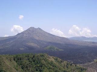 Nama lain Gunung Batur adalah Gunung Cala Lingga