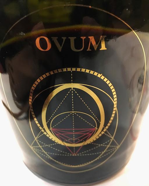 Etiqueta del vino Ovum.