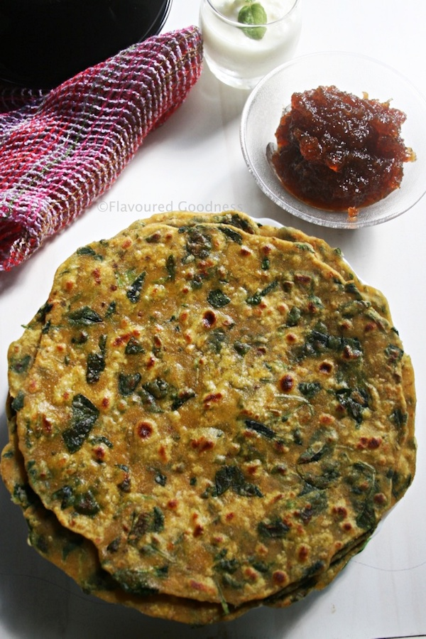 how to make Methi Thepla Recipe | Gujarati Methi Na Thepla