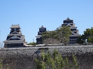 熊本地震後の熊本城の天守閣