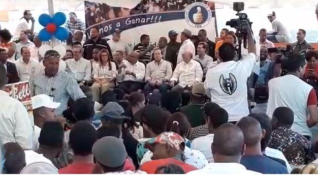 Carolina Mejía sugiere a Danilo Medina darse un paseíto sin escolta para que se entere de la inseguridad
