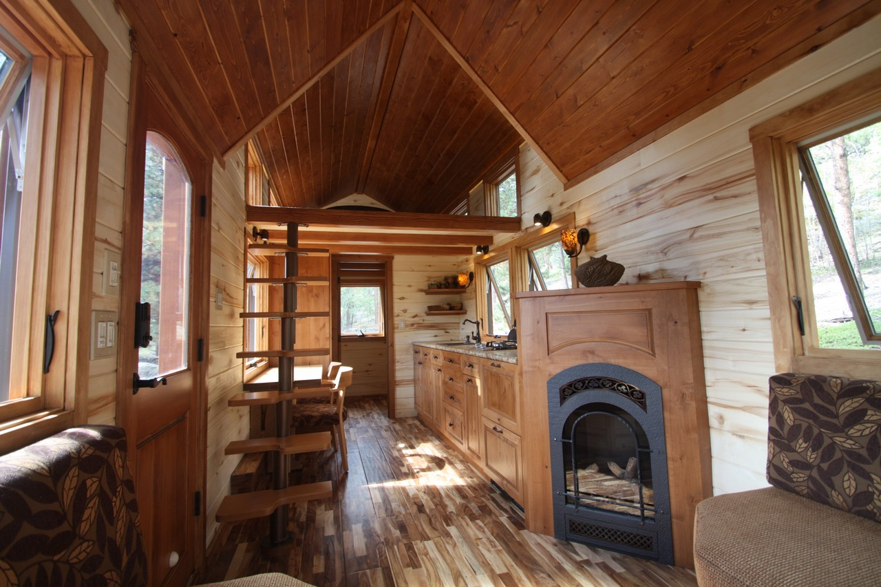 TINY HOUSE TOWN: Simblissity's 204 Sq Ft Stone Cottage