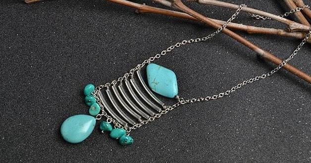 perles accesoires comment faire un collier sp cial avec turquoise. Black Bedroom Furniture Sets. Home Design Ideas