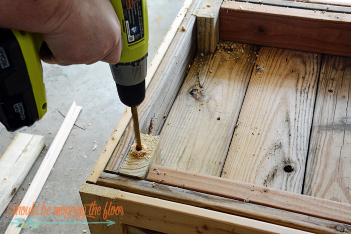 This Diy Planter Box With Wheels Is Perfect For Any Patio Or Garden Area It