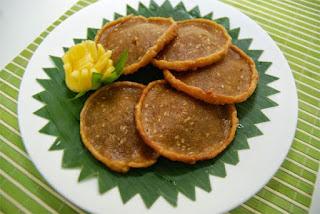 http://mengenalbengkayang.blogspot.co.id/2017/04/makanan-berupa-kue-adat-dayak-kabupaten.html