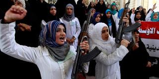 Allahu Akbar! Tiga Wanita Muda Pakistan Eksekusi Tokoh Syiah Penista Islam