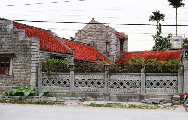 Nhà đá trăm tuổi độc nhất ở cố đô Hoa Lư