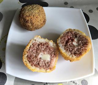 Arancini de carne y queso azul