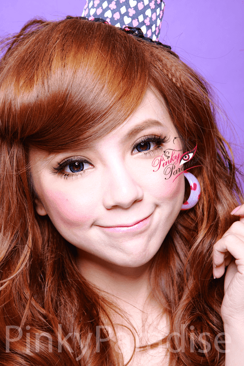 Geo Angel Blue Circle Lenses Model 2
