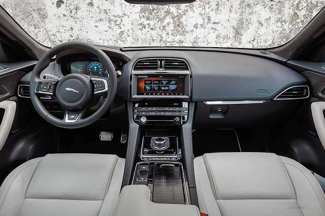Jaguar F-Pace Brasil S - interior