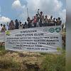 Puluhan Nelayan Asahan Protes Penutupan Alur Sungai Bandar