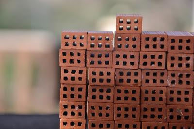 tijolos-empilhados