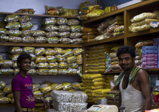 shop , workers, happy, festival, bonus, lalbaug, mumbai, street portrait, street photo, street photography, india, sweets, savouries,