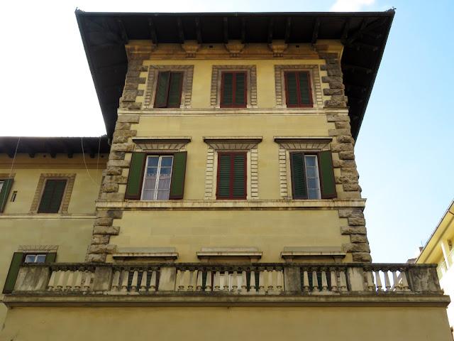 A detail of Palazzo Maurogordato, Via Crispi, Livorno