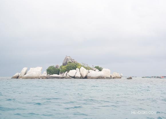 pulau batu belitung