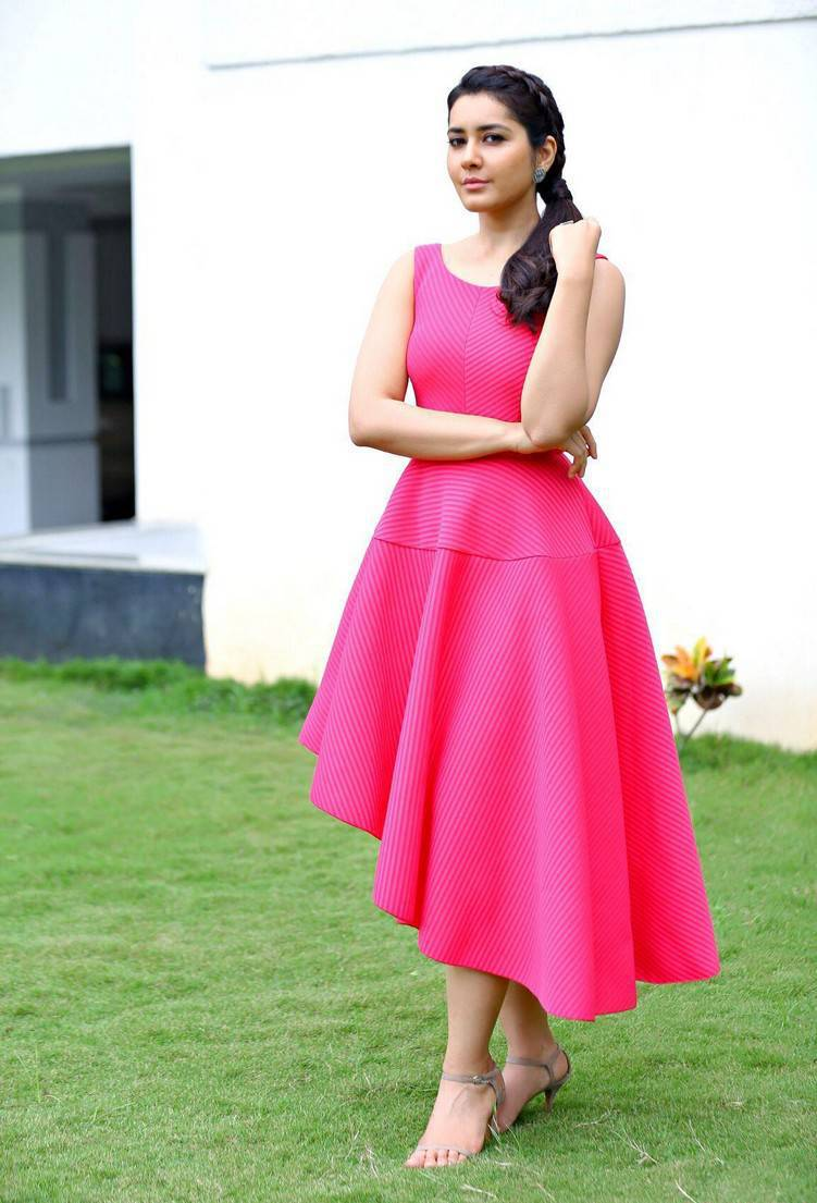 Indian Actress Rashi Khanna Beautiful Hair Style In Sleeveless Pink Dress