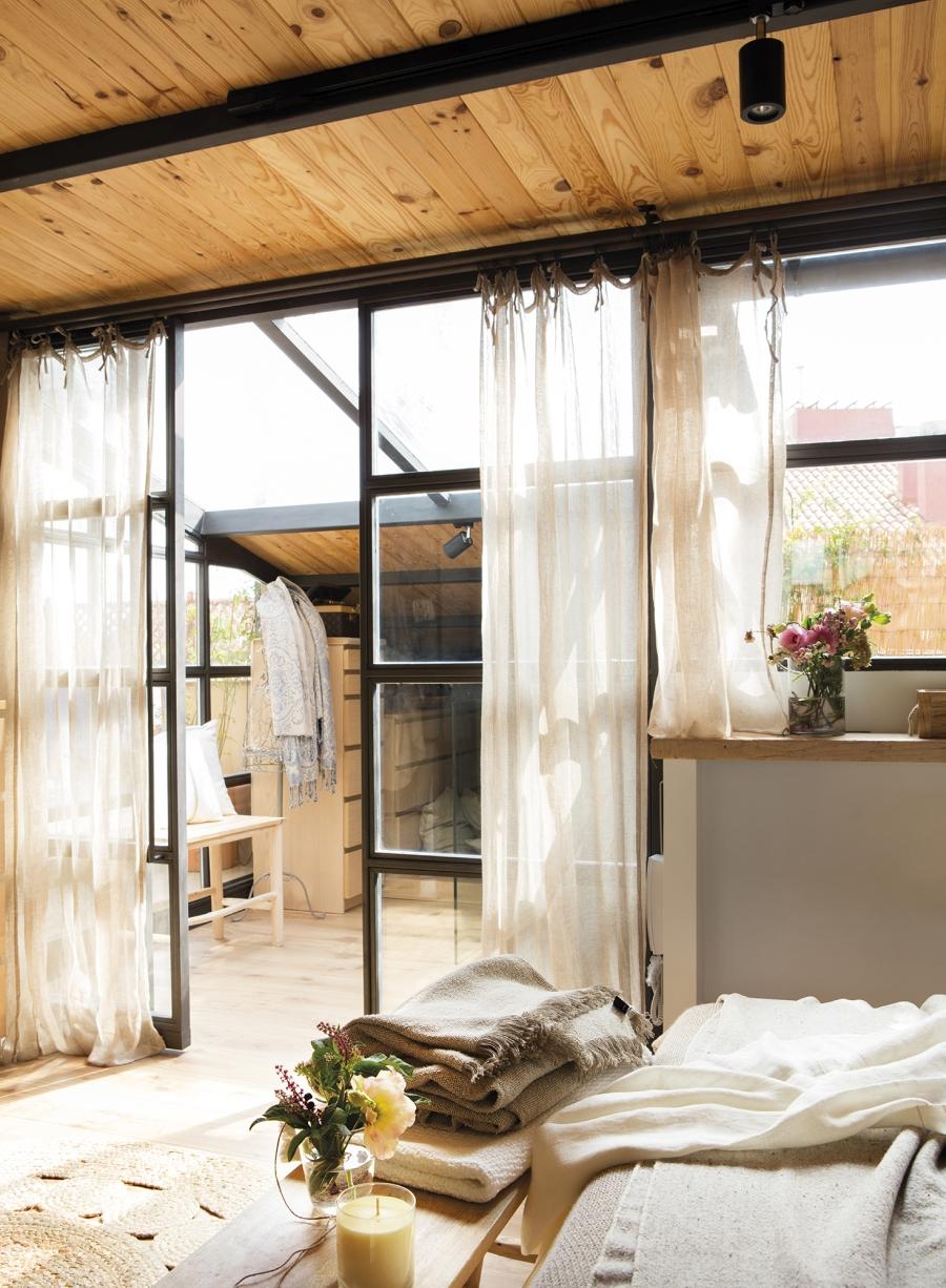 Mieszkanie w skandynawsko - industrialnym stylu, wystrój wnętrz, wnętrza, urządzanie domu, dekoracje wnętrz, aranżacja wnętrz, inspiracje wnętrz,interior design , dom i wnętrze, aranżacja mieszkania, modne wnętrza, styl skandynawski, styl industrialny, sypialnia