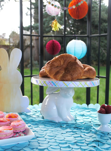 Invite your friends over for an easy Easter brunch. Get ideas and inspiration at FizzyParty.com