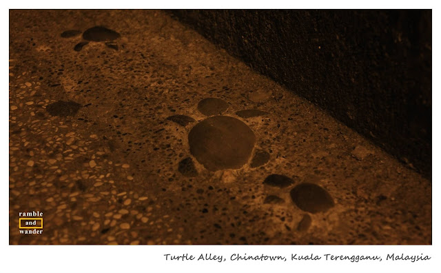 Turtle Alley, Chinatown, Kuala Terengganu, Malaysia | www.rambleandwander.com