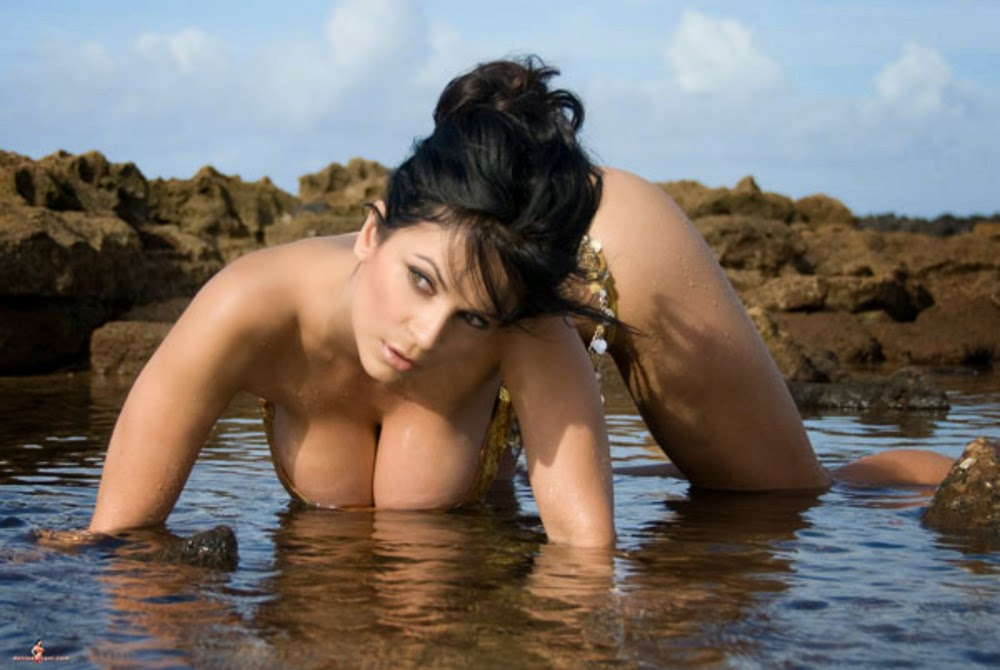 Denise Milani Photos Denise Milani On Beach Sexy-9182